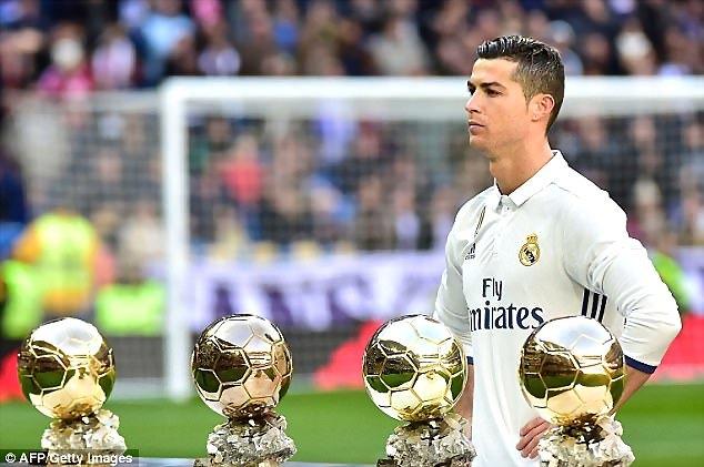 曆史第一人!C羅6場小組賽均破門 2017年歐冠轟19球