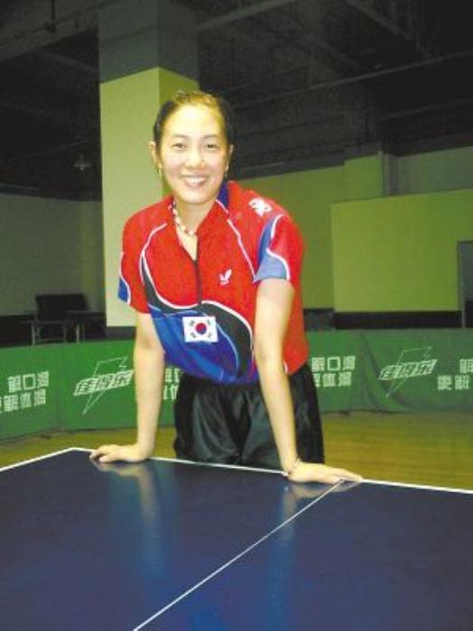 乒乓界靓女的她,嫁韩国人替韩夺冠,丈夫破产