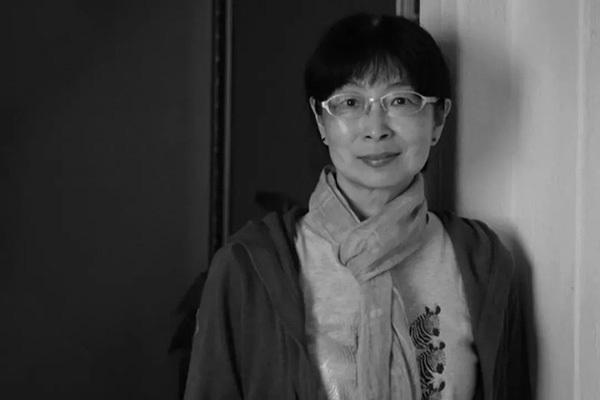 黃愛玲去世,香港最重要的影評人之一走了