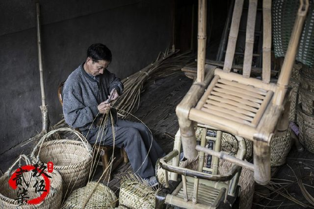 村中曾经风靡的家具传统,老师傅感叹后继无人气味橡胶木手艺图片