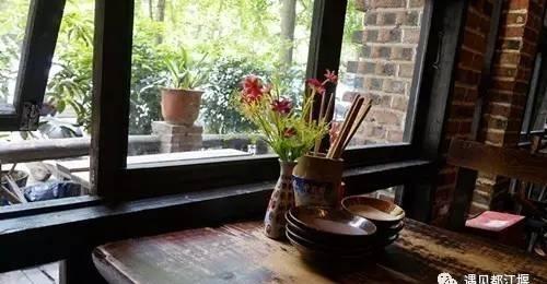 当《成都》小攻略慢摇时,都江堰张三丰酒馆笑正在阿马里洛图片