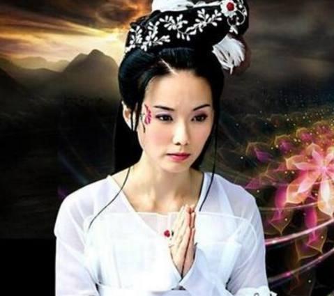 《新牡丹济公》四大垫底:专辑精美女,第一名是骑马美女活佛图片