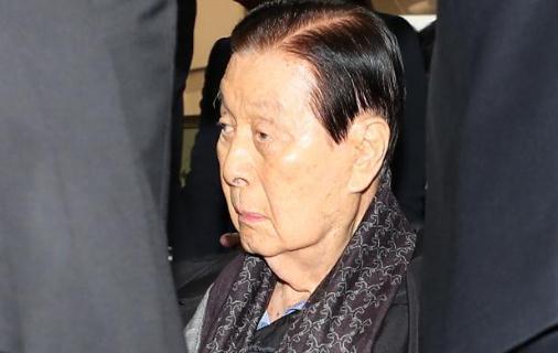 韓檢方要求判處樂天集團總會長10年刑期 罰款17億