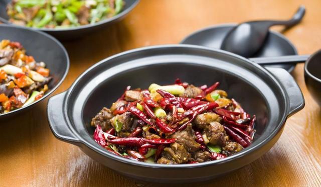 中國人去年在吃這方麵花3.9萬億元 最喜歡吃這個