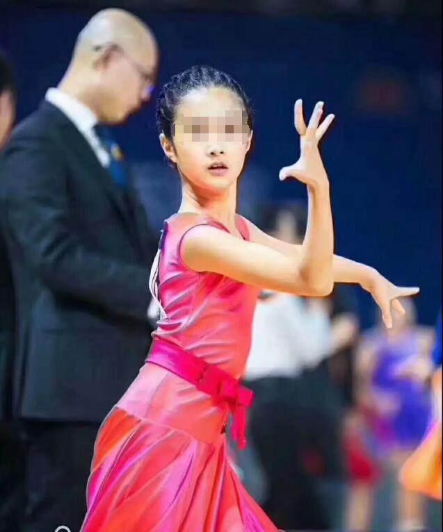 澳门金沙网址:马伊�P女儿舞蹈比赛夺冠