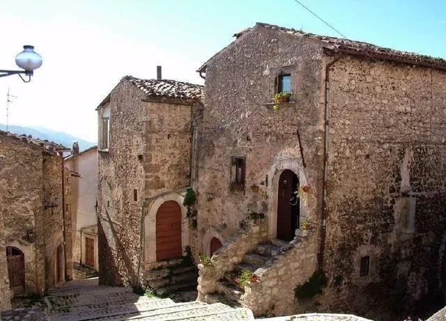 在意大利就有一个别墅,只需要8块钱你就钱都多少一般地方图片