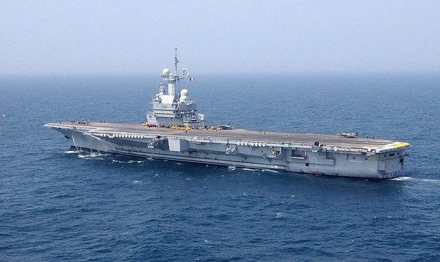 这是法国第一艘核动力航母,标志着法国拥有欧