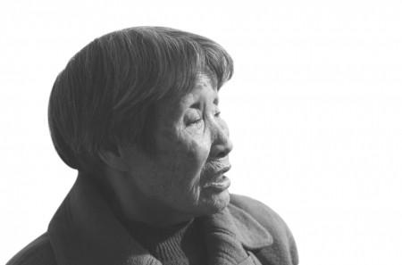 澳门威尼斯人娱乐场:感人!八十岁老母拾荒养活残障儿