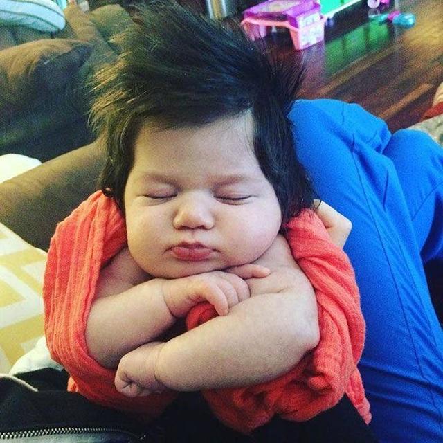 这些就是刚出生宝宝爆炸式发型,在妈妈肚子里女生直刘图片短发图片