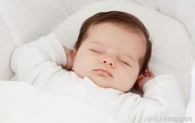 纠正图片睡偏头,宝宝睡偏头适合,这发型宝宝颧骨防止大男什么图片