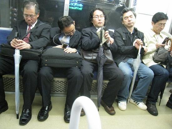 IMF重視「過勞死」問題 建議日本控製加班