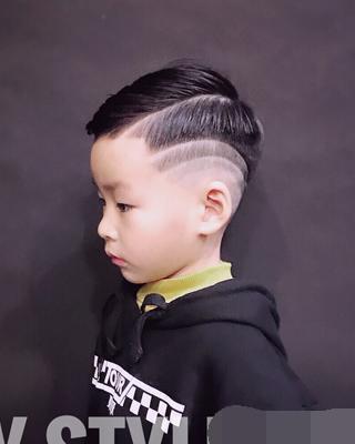 最酷小男生马上大全!孩子过年了,快给你家发型大全头发短怎么编图片辫子宝宝大全图片图片