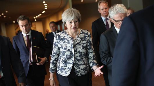 特蕾莎麵臨比脫歐更大的麻煩:英國議會「性醜聞門」