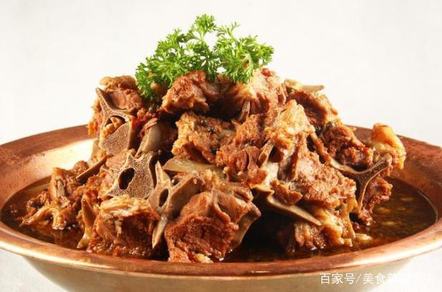 羊鸡蛋火锅很好吃,大家都知道,但是里面都有些蝎子毛豆青菜汤图片