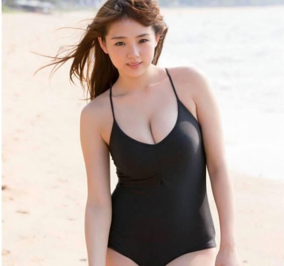 日本女星筱崎爱的海边性感,你敢看?dnf魔法师性感图片