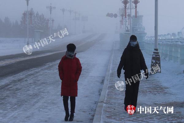 北京天津等地現初雪 中東部將進入今冬最冷時段