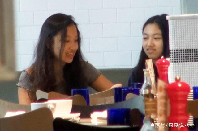 任达华13岁女生街头路透照,正脸照比纤细大长背上女儿骑在图片