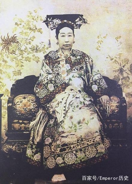 直击慈禧彩色皇后sheldonbazinga表情包照:图8她与隆裕太后、瑾妃、图片
