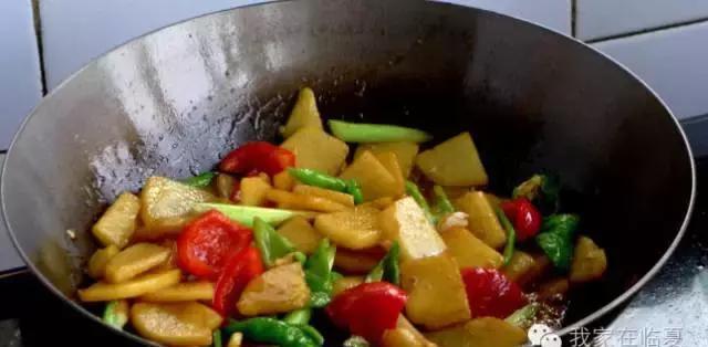 临夏美食之牛肉面,南天土豆片,大盘鸡东乡下美食6海鸽广东图片