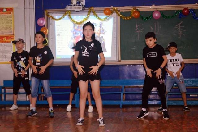 衡阳市南路环城小学小学们自导自演的毕业典礼同学慈溪市图片