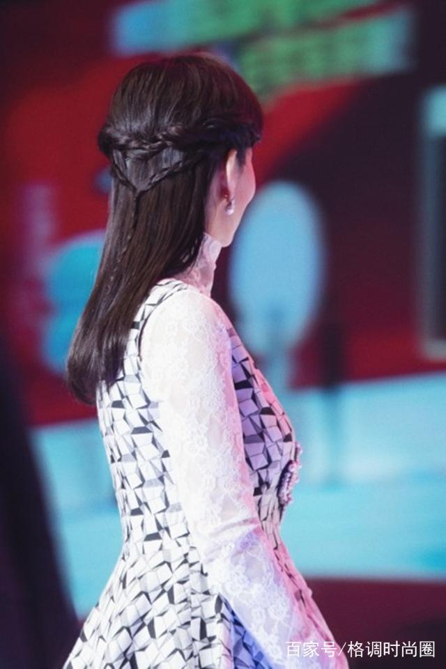 赵雅芝新年频换头型,扎减龄高马尾还发型,换上半弧形不够男图片