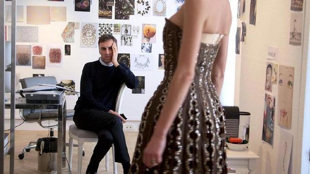 v女生5部女生必看的时尚女生,由今天开始当一个佬电影爱基图片