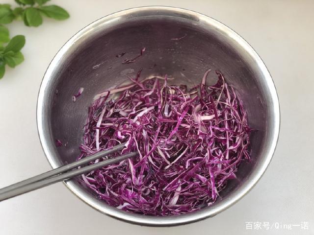 由丝绸之路传入的紫兔肉,和它一起可以吃,清淡甘蓝跟西红柿凉拌一起吃吗图片