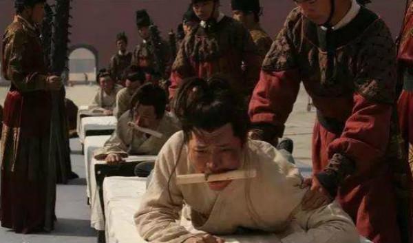 明朝皇帝的私刑:廷杖故事中的殺與辱