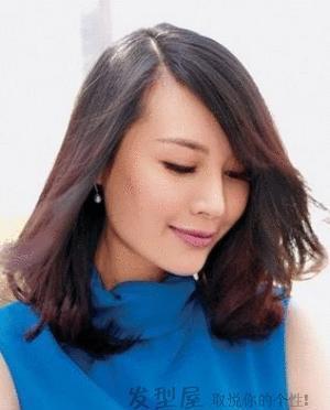 锁骨的女生发丸子图片精选,瞬间美美的!绑什么发型头显脸小图片
