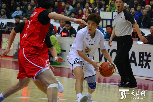 WCBA第六輪:新疆女籃79:73主場勝八一女籃(圖)