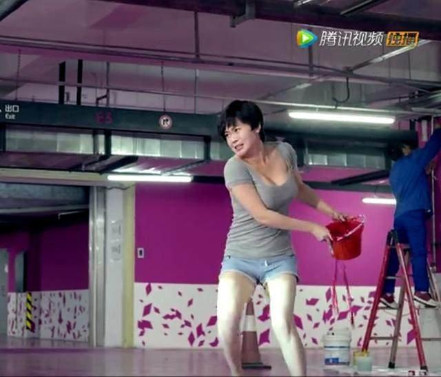 村爱情》杨晓燕出演《婚规2》变短发,留短发身烫过的视频怎么吹泼妇图片