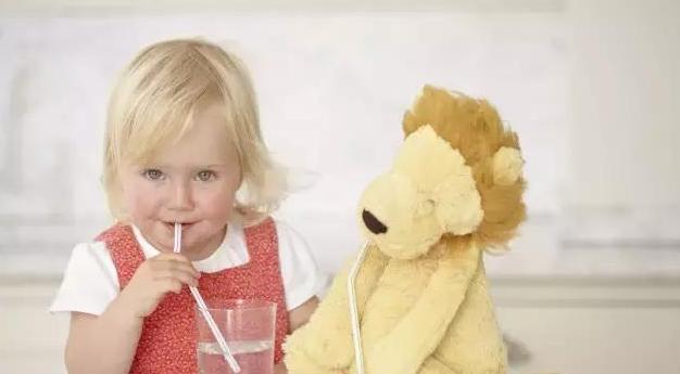 2岁宝宝也肛裂!--吃的少拉的硬,宝宝便秘吃啥火腿肠怎么煮好吃图片