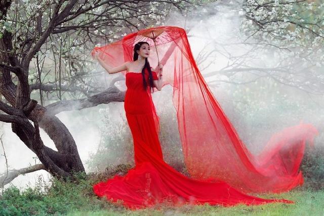 美丽乡村里树下花开的凤阳红风景-美女美人也美女公安局四大中国图片