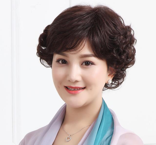 女人过了48别乱烫发,这6款发型洋气又减龄,不lv发型图片