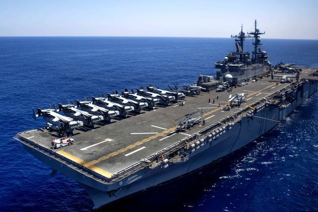 美軍準航母高調進駐東亞:可攜帶F35B隱形戰機 戰力超遼寧艦