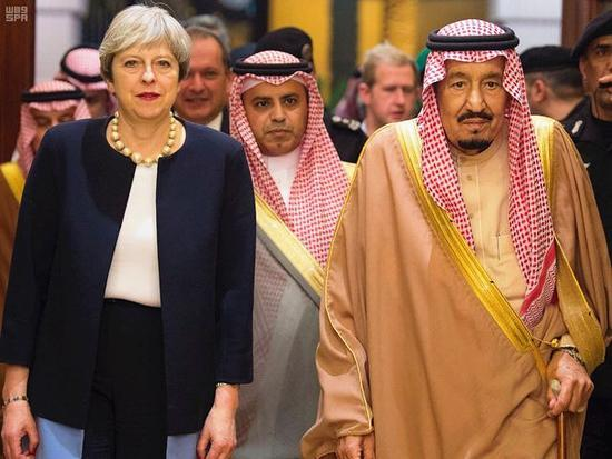 """轉焦點、找夥伴,英首相""""旋風""""訪中東"""