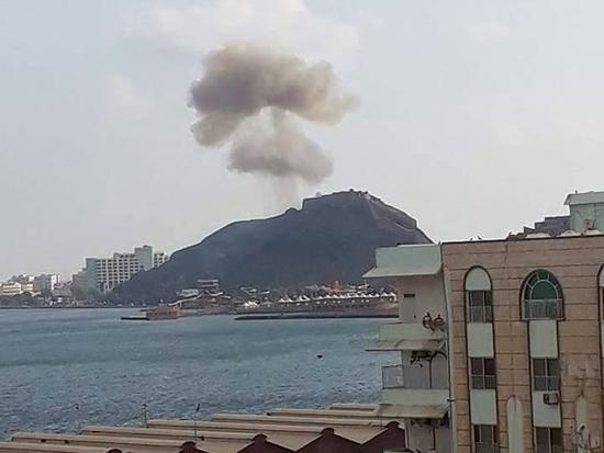 也門南部臨時首都安全部隊總部門口發生爆炸