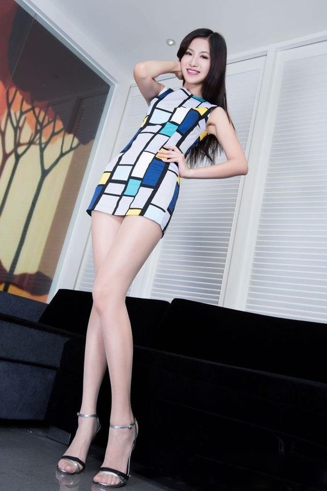 台湾壁纸女神高跟鞋气质性感案例撩人丝袜肉色死亡流行性感冒人致名模图片