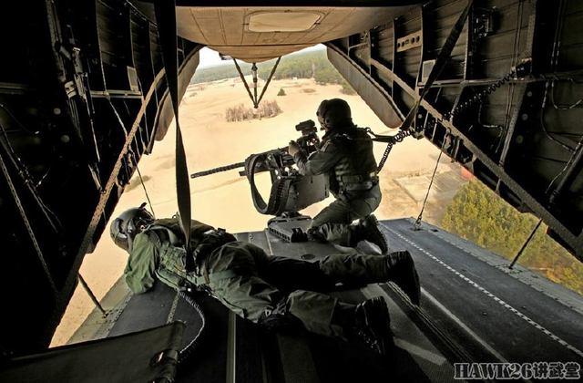 pt电子游戏网址:经典舱门机枪GAU-21生动演绎弹如雨下