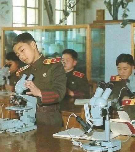 让人羡慕的朝鲜70年代,生活比中国韩国富裕多