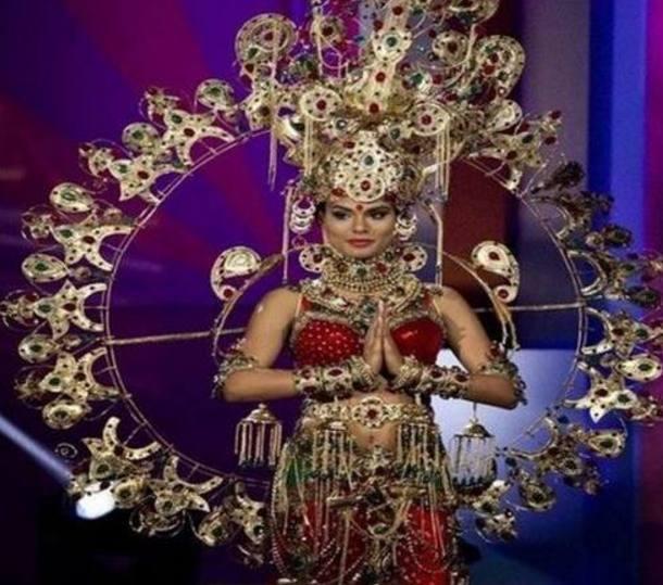 世界小姐大赛要求穿国家特色服饰,韩国出场后