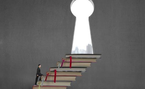 90后特困大学生二手书创业,创办上海最大二手
