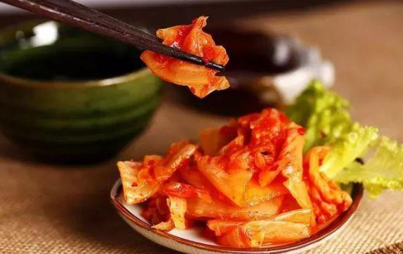 韩国一直引以自傲的泡菜,大部分都是从中国进