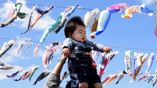 日本在2018年遭受了最大的自然人口下降