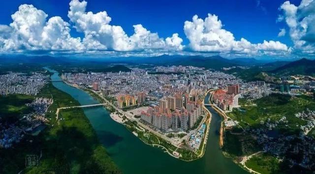惠东代表团审议市政府工作报告