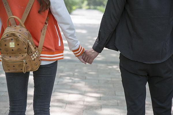 经常接吻竟可以减肥 让你轻轻松松瘦下来