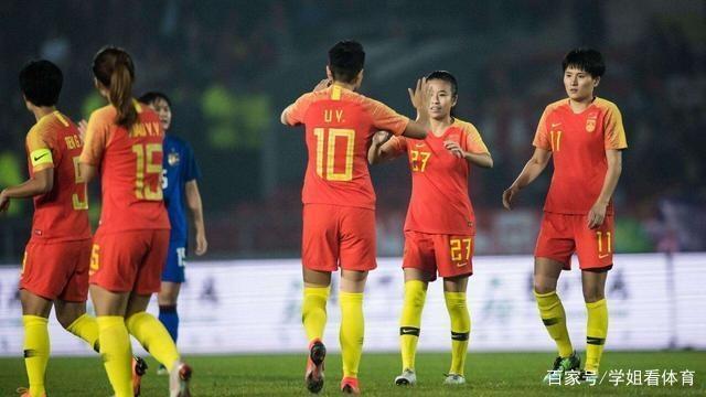 不止中国女足!王霜的大巴黎女足踢欧冠,看台空