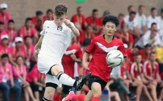 圣保罗俱乐部队创造历史,中国足球队吞下苦果
