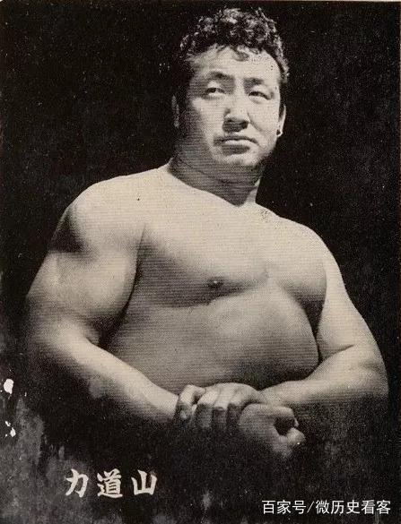 日本摔跤之父:曾吊打美国NWA王者铁人丹斯