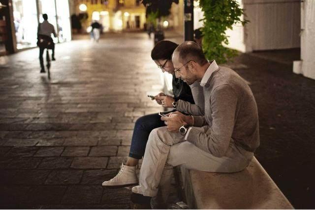 男生加了微信,却不说话是什么心态?